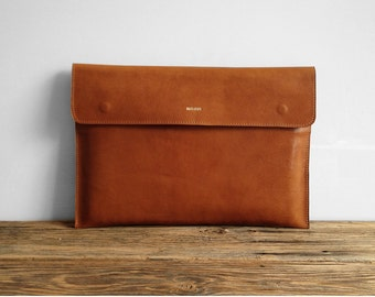 Macbook 15 Sleeve, Light brown leather, Great for a gift