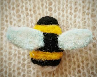 Needle felted bee felt brooch