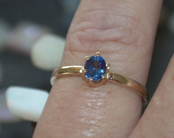 14k Gold Natural Ceylon Blue Sapphire Solitaire Ring .56ct size 7 Great Color!