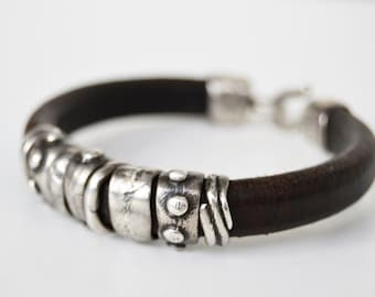 grift for men,raw sterling silver,PLATADEPALO leather bracelet and silver. PULS. Silver Brown Weight: 31 gr