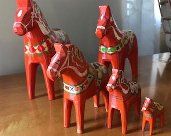 Vintage Swedish Red Dala Horse Set of 5|  Swedish Folk Art Horse | Vintage Swedish Souvenir | Dalecarlian Horse Set of 5 Red Dala Horses