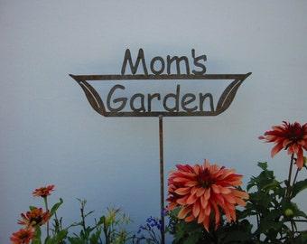 SHIP NOW - Mom's Garden Sign - Metal outdoor sign
