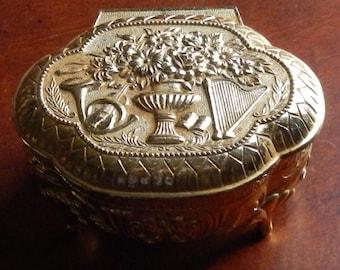 Pretty Vintage Gold Trinket Box!