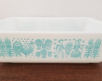 Pyrex Amish Butterprint Refrigerator Container - no lid