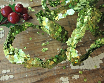5 Feet - Green Sequin Glitter Spiral Wired Ribbon Garland
