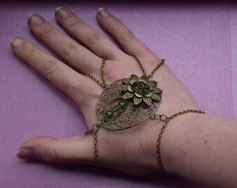 Gold hand chain, Gold slave bracelet, gold hand piece, floral hand piece, vintage hand piece, asian bride jewellery, Indian hand bracelet