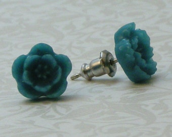 5 Petal Flower Earrings - Aqua Blue Teal