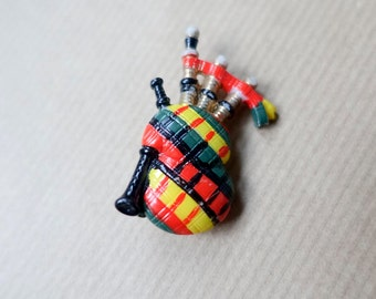 Vintage Bagpipe Brooch, Bagpiper pin