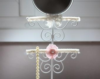 Shabby chic jewelry display