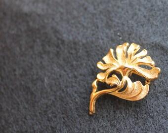 Golden Flower Leaf Brooch Pin