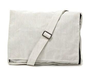 White, Messenger Bag, Padded bag  -- Mula in white polyester