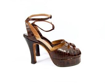 40s Platform Pumps // Size 6 // Reptile Heels - Alligator 4 Inch Heels Late 1940s Dark Brown Leather Peep toe Gator Chunky Heel by Manning