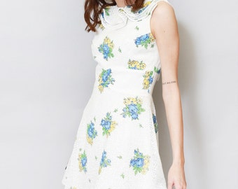 Vintage 1970's White Floral Lace Ruffled Mini Dress
