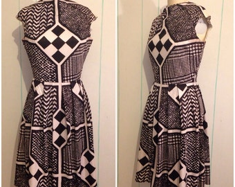 Optical Novelty Print Jeanette Alexander 60s Dress Size 9