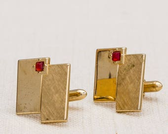 Red Rhinestone Cufflinks Vintage Shiny and Etched Gold Geometric Unique Design Swank Men's Accessories Cuff Link Tuxedo Shirt Add On 7UU