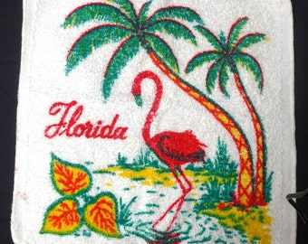 1960s Florida Souvenir Towel & Two Washcloths with Flamingo in Bright Tropical Colors, Nostalgic Souvenirs, Travel, Sunshine State, 1960s