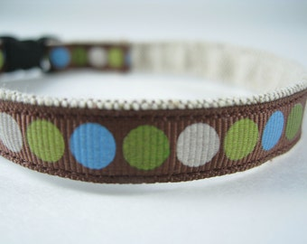 """Colorful Blue-Green Circles on Brown organic cotton 1/2"""" collar"""