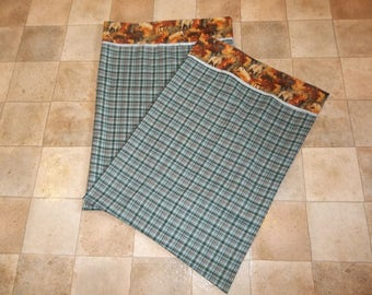 Set of 2 Plaid and Horses Pillowcases