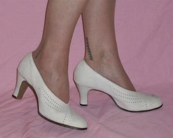 Divine 1930s suede / buck heels US 8  / UK 6 NOS unworn wedding shoes