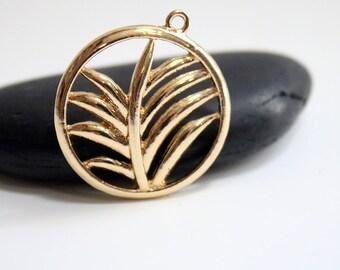 33mm - set of 3 antique exotic leaf Golden