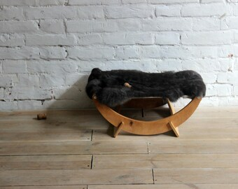 Cozy cat bed. READY TO SHIP