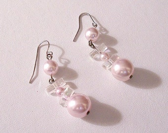 Pink Pearl Dangle Pierced Wire Earrings Silver Tone Vintage Graduated Beads Clear Accent Spacers