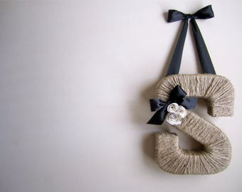 Classic Jute Monogram Wreath. Farmhouse style jute letter.