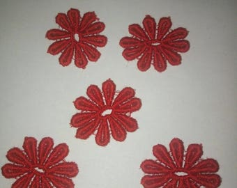set of 5 25 mm red flower lace appliques