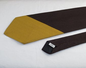 Vintage Men's Wdie Tie, Brown and Yellow
