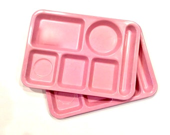 Melamine Trays Set of 2 Carlisle, Heavy Weight Variegated Pink Right Hand 6 Compartment Lunch Trays