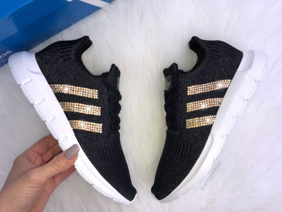 ff6ea9f113bb ... Swift SIZE Casual Shimmer Swarovski Run Shoes Adidas 8 5 Women s  rawqnHaxX ...