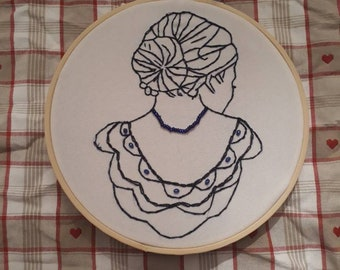 Woman's headdress back hand embroidered * Agatha *.