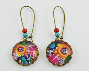Bohemian dangle earrings with multicolored flowers