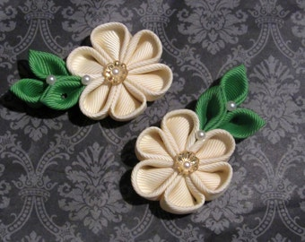 Ivory and Green Kanzashi Flower Alligator Clips