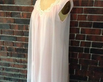 Romantic vintage pink baby doll night gown 1960's era
