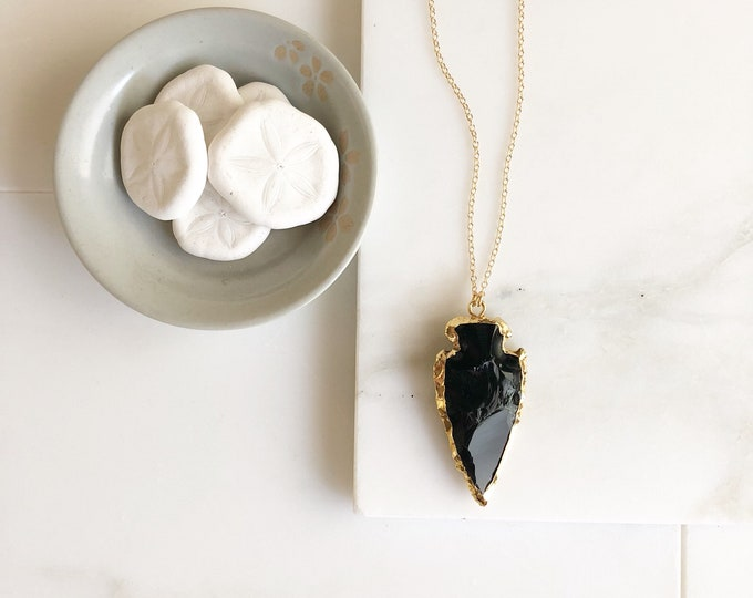 Raw Stone Jewelry. Long Black Arrowhead Necklace in Gold. Geode Necklace. Gold Jewelry. Stone Necklace.  Black Gold Necklace. Jewelry