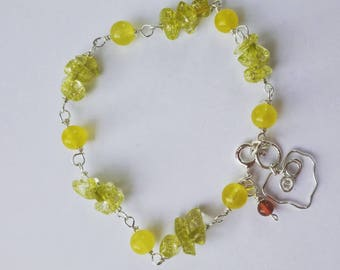 Green yellow chalcedony and crystal link bracelet