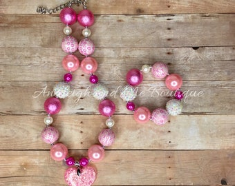 Valentines Chunky Necklace, Pink Chunky Necklace, Pink and White Necklace, Valentine's Necklace, Valentine's Baby, Baby Necklace,  Toddler N