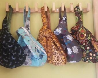 Marcher, parler et bracelet - tricot chaussette - noeud japonais sac en tricot