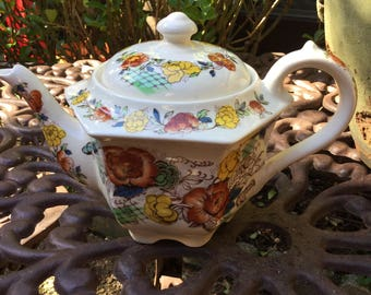 Sadler England Rose Garden Tea/Coffee Pot-Ivory with Red Yellow Brown GreenLeaves
