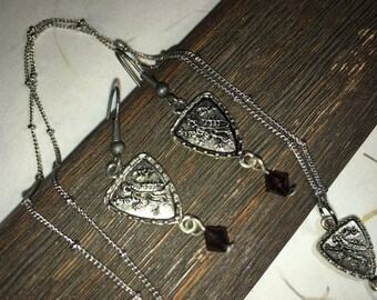 SHIELD ME Necklace and Earrings Set