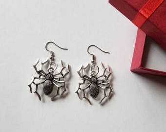 Spider Earrings, Halloween Jewelry, Halloween earrings.