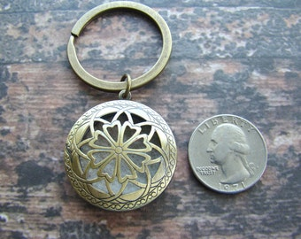 Antique Bronze Simplicity Essential Oil Diffuser Key Ring, Aroma Therapy Key Ring