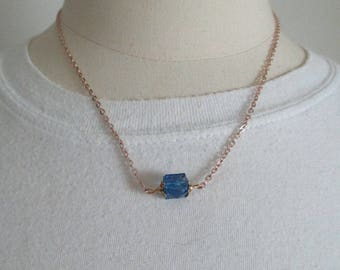 metal chain pink and Blue Pearl Necklace