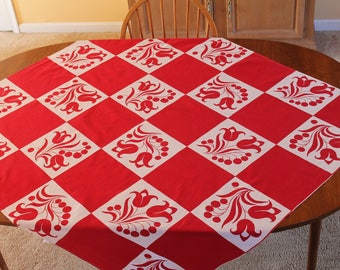 Vintage Wilendure Red and White Floral Block Print Tablecloth, Kensington Pattern, 53 x 48, Excellent Condition