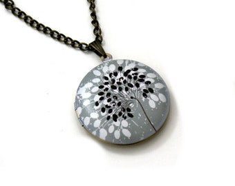 Flower Locket Necklace, Floral Necklace, Woodland