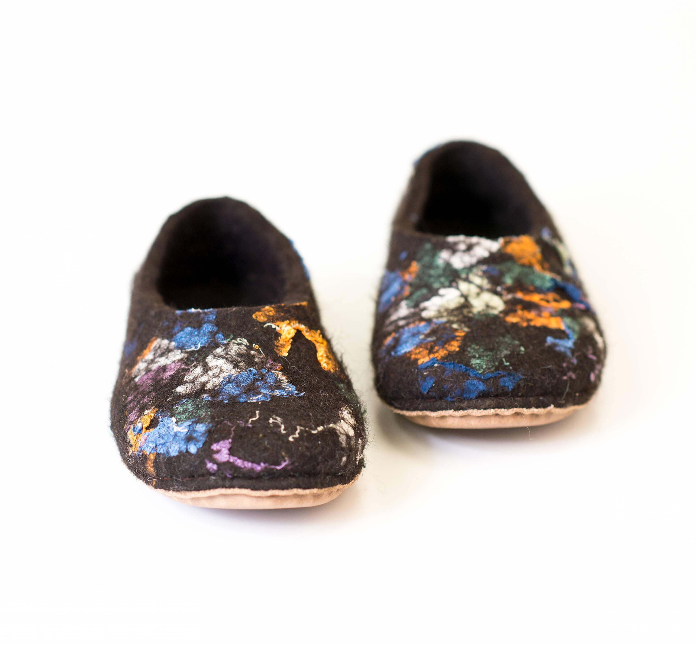 cb217ea7e67 Linen and felt slippers - Natural black adult women slippers for house ...