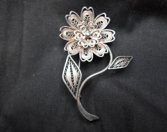 Vintage Spun Silver Flower Pin Filigree Sterling 925 Brooch 1940s to 1960s