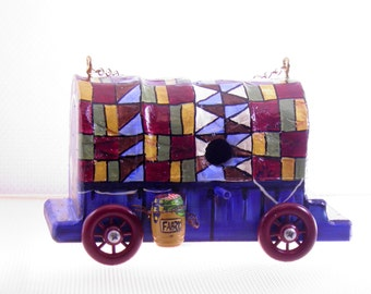Quilted Covered Wagon Birdhouse , Handmade , Hand Carved , Hand Painted , Great Gift for Bird Lover Quilter