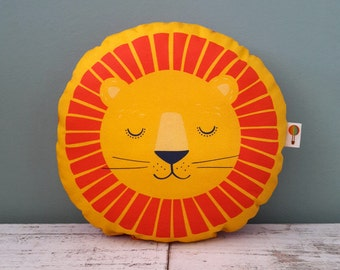 Small Pillow Lion bio